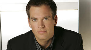 anthony-dinozzo-ncis-world-2263796-1167-1750